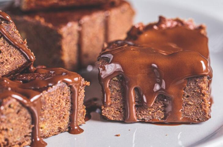 Tahinli, vişneli, beyaz çikolatalı muhteşem brownie tarifleri