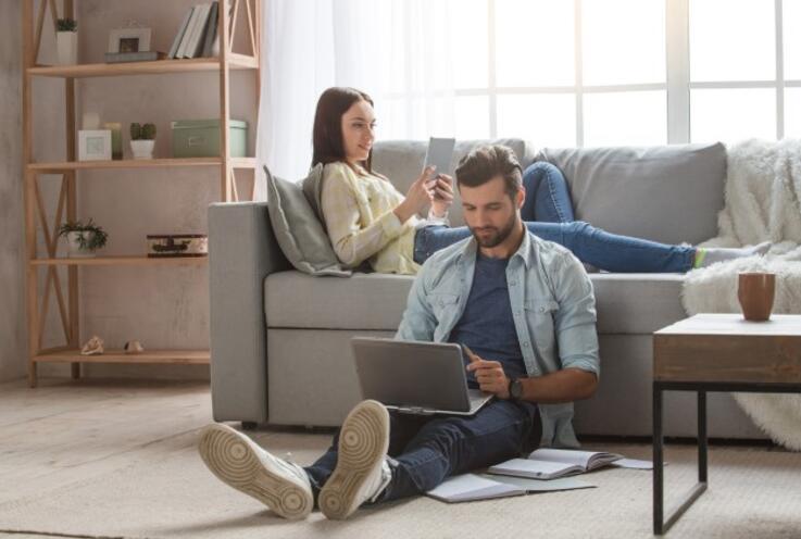 Evde Beraber Çalışmak Eşler Arasındaki İletişimi Nasıl Etkiler?
