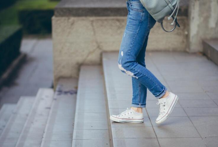 Beyaz Spor Ayakkabılarını Temiz Tutmanın Yolları