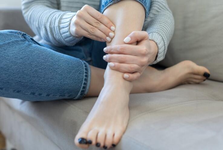Son Yılların En Yaygın Hastalığı: Huzursuz Bacak Sendromu Nedir?