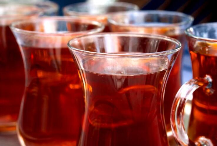 Fazlası Zarar Veriyor! Günde Kaç Bardak Çay İçilmeli?
