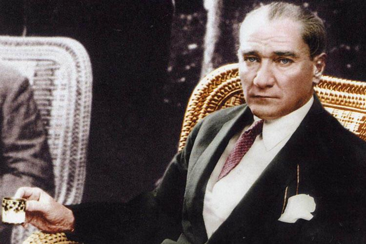Ölüm yıldönümünde özlem ve saygıyla andığımız Atatürk'ün yemek  alışkanlıkları