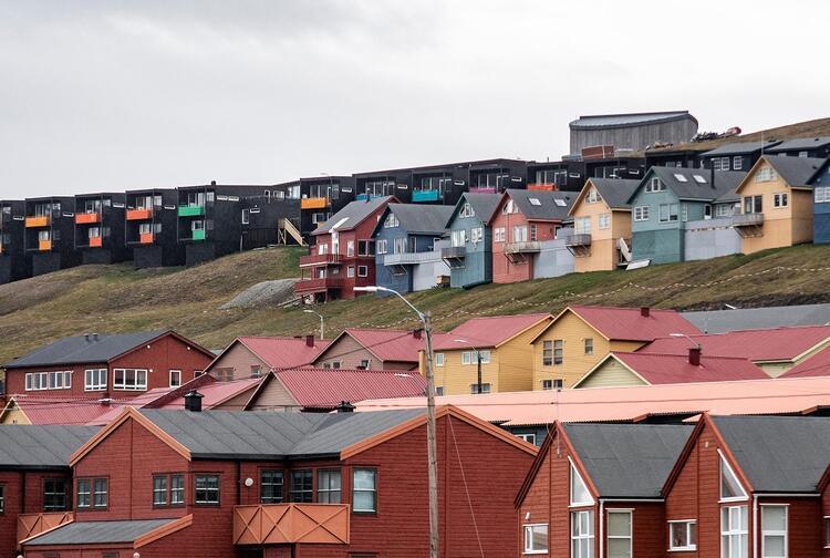 Longyarbyen'in hikayesiyle ilgili çok ilginç detayları BBC yazarlarında Duncan Bartlett kaleme aldı.