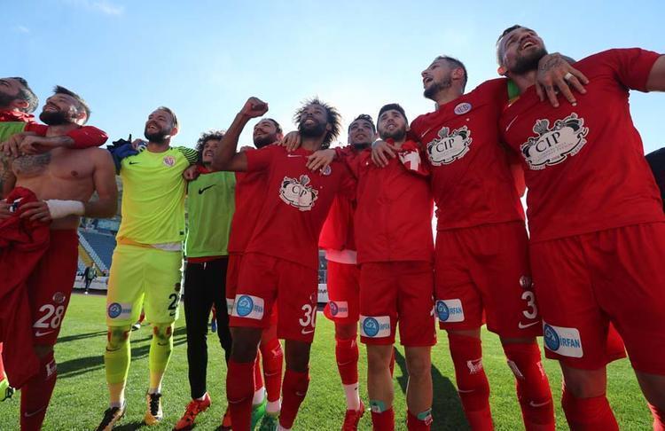 8 - Antalyaspor - 45 puan / -18 averaj