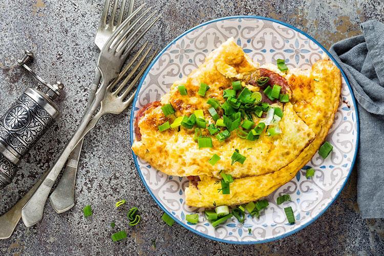 Taze soğanlı pofuduk omlet tarifi