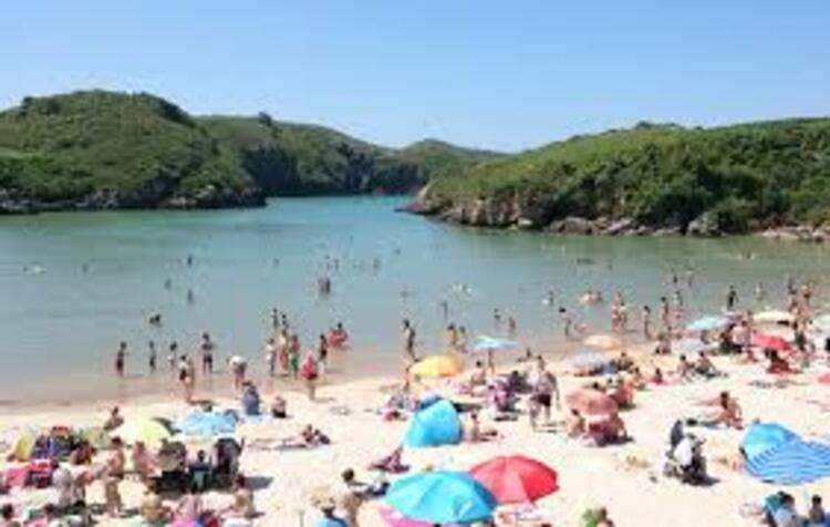 Playa de Poo, Llanes, Asturias | İspanya
