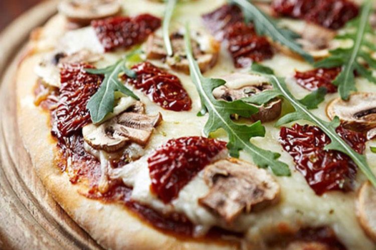 Otlu Ege pizzası tarifi