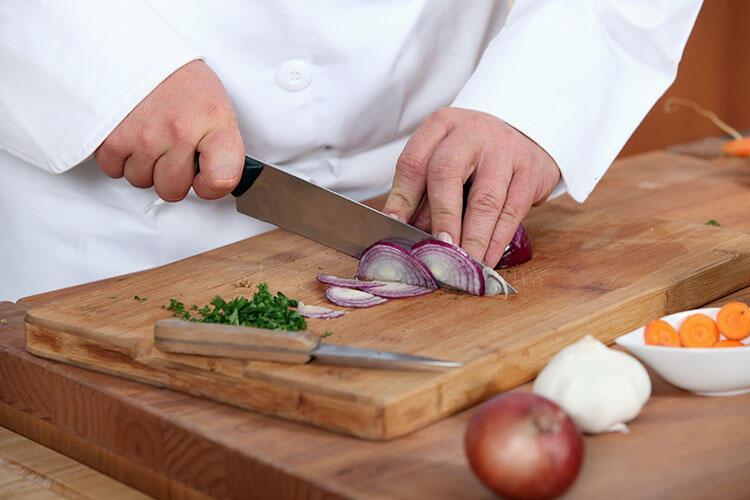 Bıçaklarınızı sık sık bilemiyorsunuz.