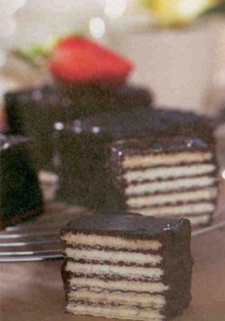 Çikolatalı ev gofreti (4 kişilik)
