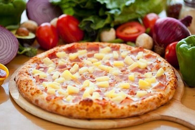 Hawai pizza deneyci bir şef tarafından bulunmuş