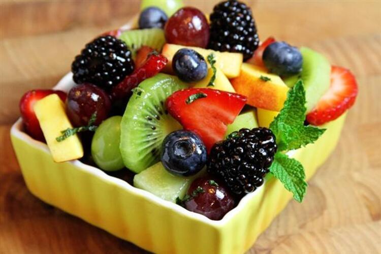 Tatlı ve meyve ne zaman yenmemelidir
