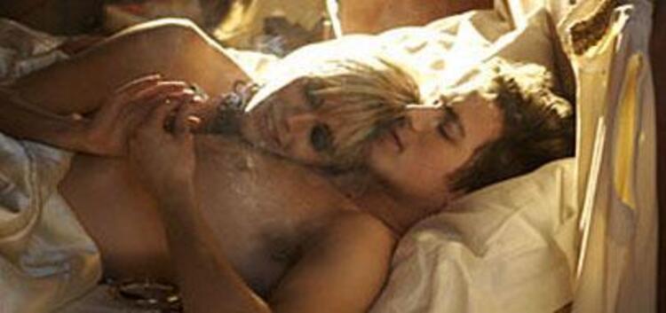 Sienna Miller: Aşk sahnesi mi Çekin gitsin