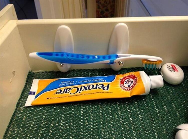 Diş fırçanız yere değmek zorunda değil.
