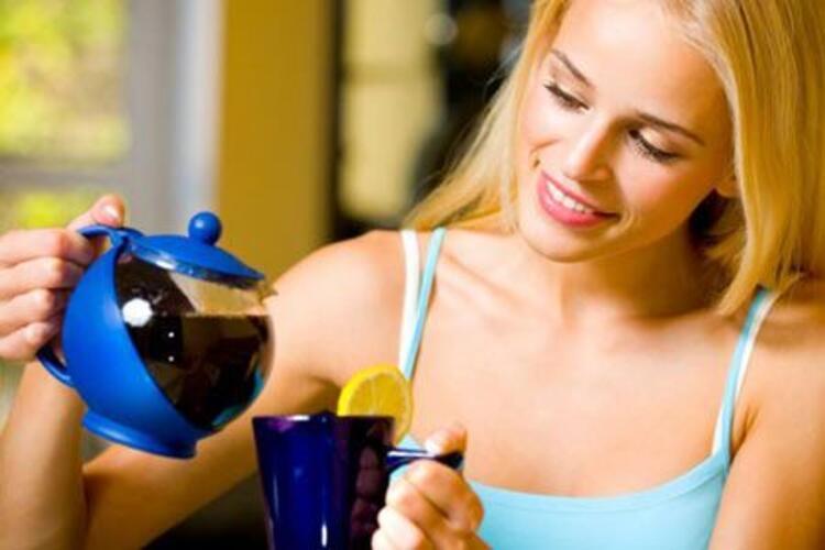 Çay içmek gerçekten harareti alır mı