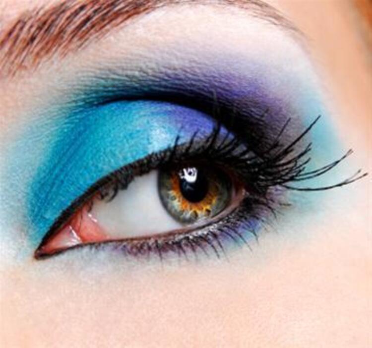 Renkli Bakışlar