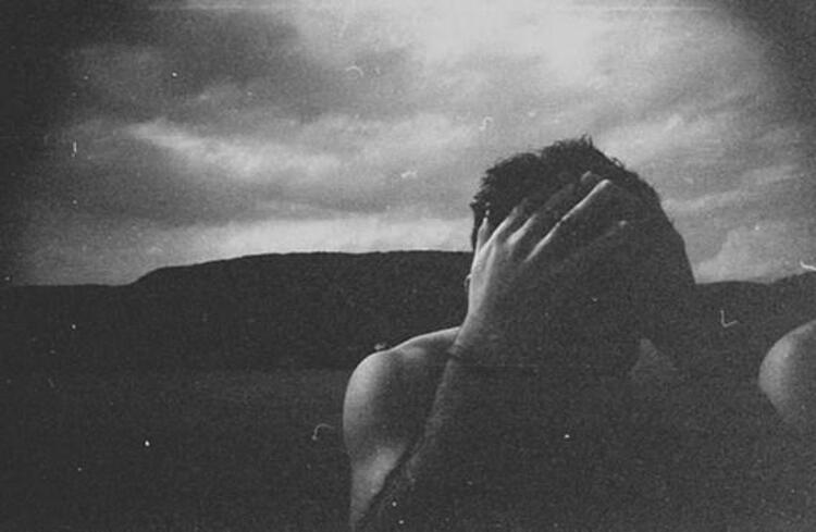 Öyle ki, gerçek yaşam ile yüz yüze geldikleri zaman, hayallerinden kopmak zorunda olmanın acısını çekerler.