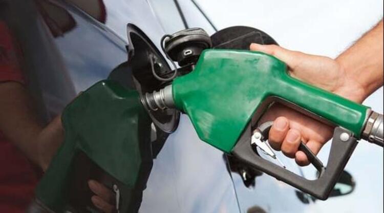 Kurşunlu benzin: