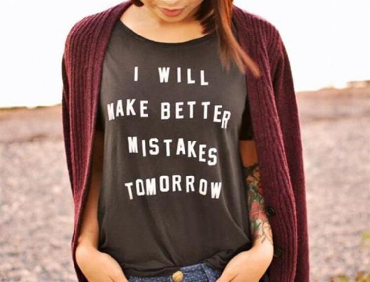 Sloganlı tişörtler