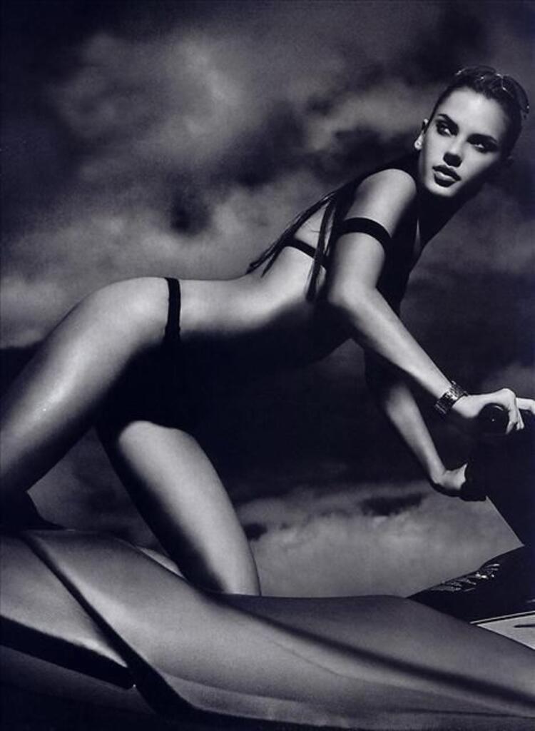 3. Alessandra Ambrosio
