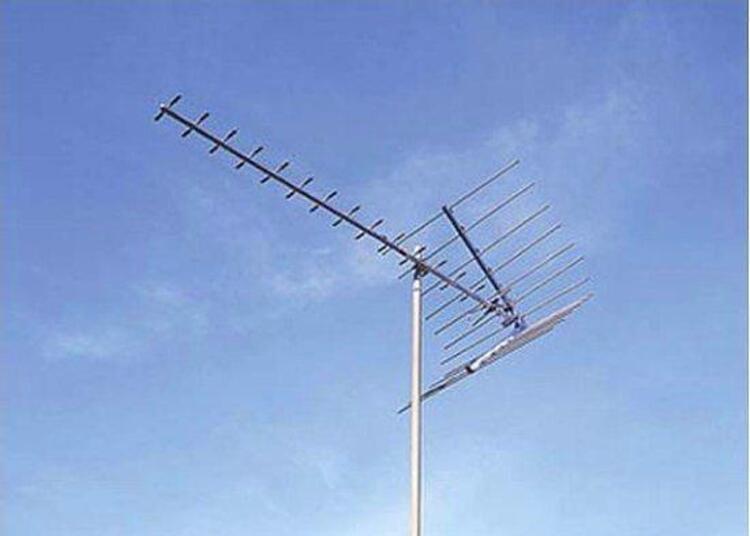 Rüzgarda yönü değişince düzeltmek için çatıya çıkmak..
