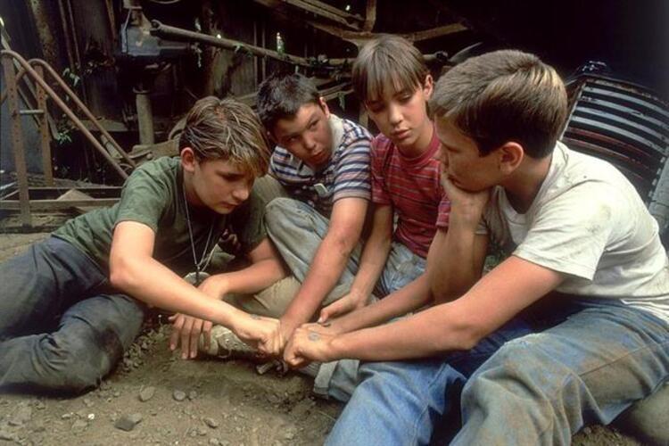 17. Benimle Kal (1986) | IMDb: 8.1