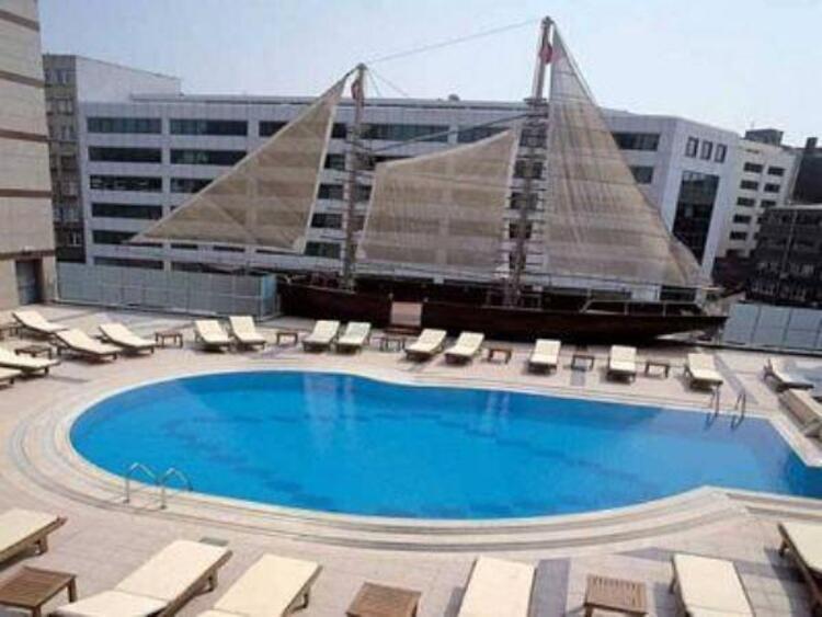 Grand Cevahir Otel Havuz İstanbul
