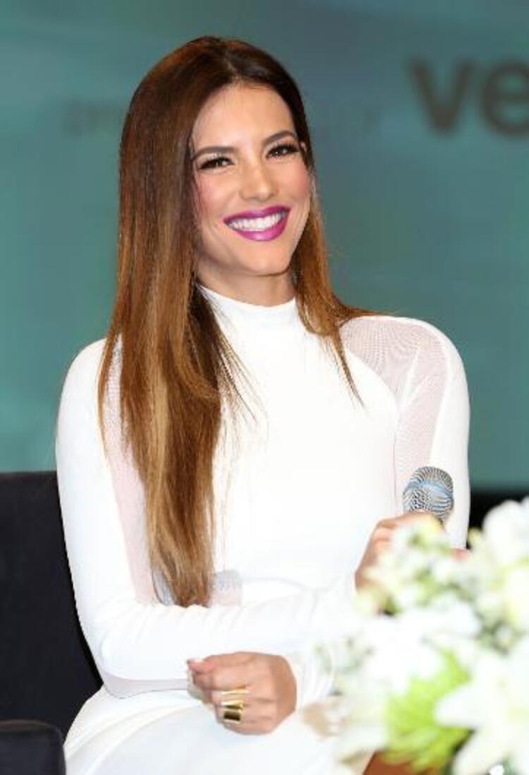 Dünyanın en güzel insanlarının yaşadığı ülkeler sıralamasında birinci sırada Venezuela var. Güzellik yarışmalarında en çok birinci çıkaran ülke olan Venezuelanın güzellerine örnek olarak Gaby Espino gösterildi. Kaynak:Hürriyet