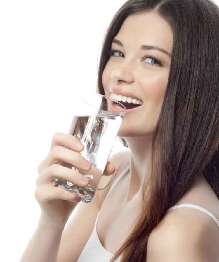 Günde en az 10 bardak su