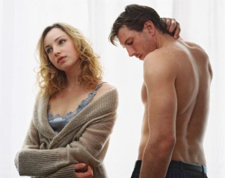 Uzman Psikolojik Danışman Cem Keçe, mutlu bir cinsel yaşam için altın değerinde önerilerde bulundu, cinsel birleşmeden alınan zevki artırmak için yapılması gerekenleri sıraladı...