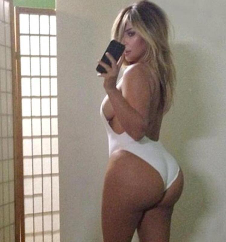 Sosyal medya, kendi akımlarını yaratmaya devam ediyor. Son dönemde 'Selfie' modasından sonra başka bir akım popülerliği başladı: 'Belfie