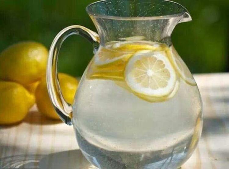 Güne limonlu suyla başlayın: