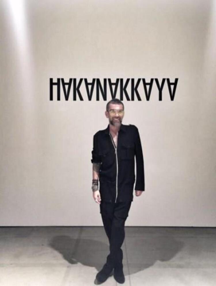 New York Moda Haftası kapsamında düzenlenen Hakan Akkaya defilesi büyük ilgi gördü