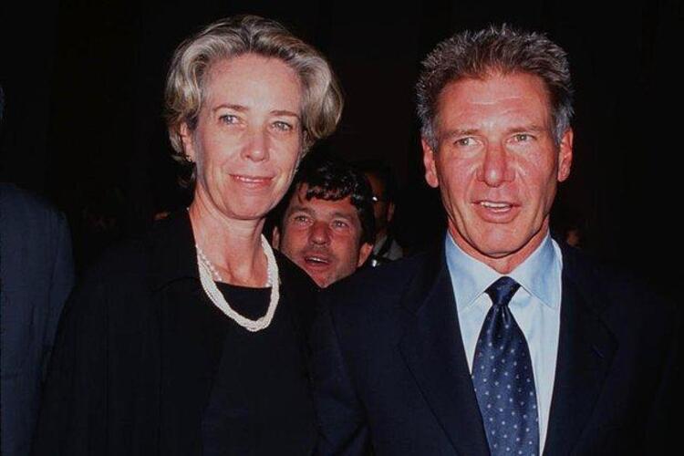 Bir yastığa baş koyup daha sonra yollarını ayırmaya karar veren ünlü insanların, boşanma kefaretleri hayli yıpratıcı olabiliyor. Bu listede size boşanmak isteyen zengin insanların, bunun uğruna eski eşlerine ödedikleri milyon hatta milyar dolarlardan bahsedeceğiz.Harrison Ford ve Melissa Mathison – 85 Milyon $