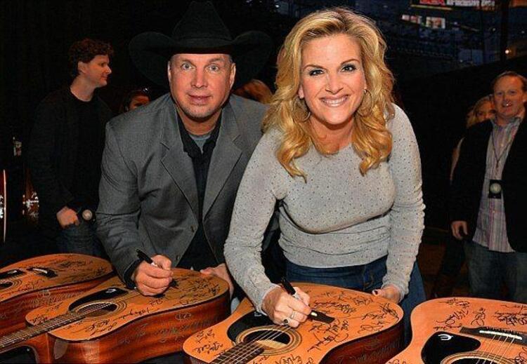 Garth Brooks ve Sandy Mal – 125 Milyon $