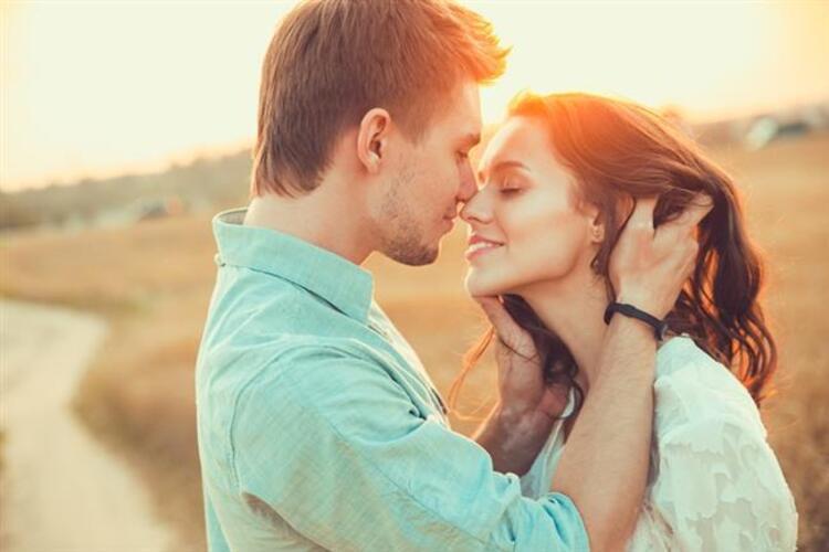 Aşk ve sevgi arasındaki fark gerçekten var mı