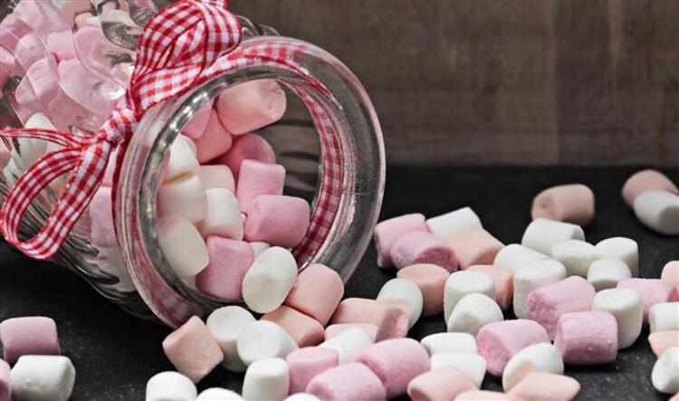 Şeker Ölü Bir Besindir