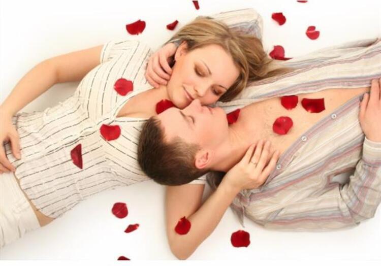 2. Kadınlar erotik öpüşmeler isteyebilir.