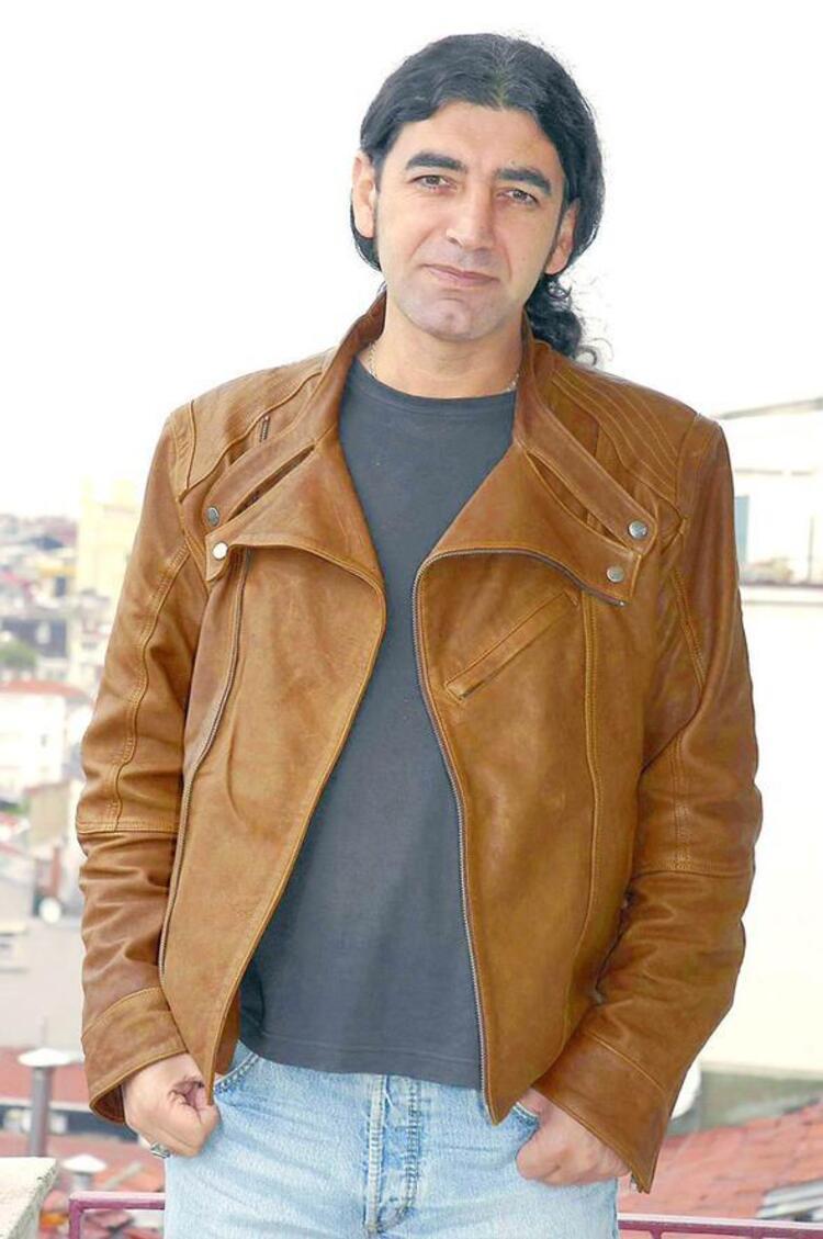 Murat Kekilli hamallık yapıyordu.