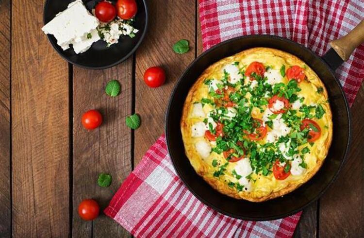 Sebzeli omlet tarifi malzemeler: