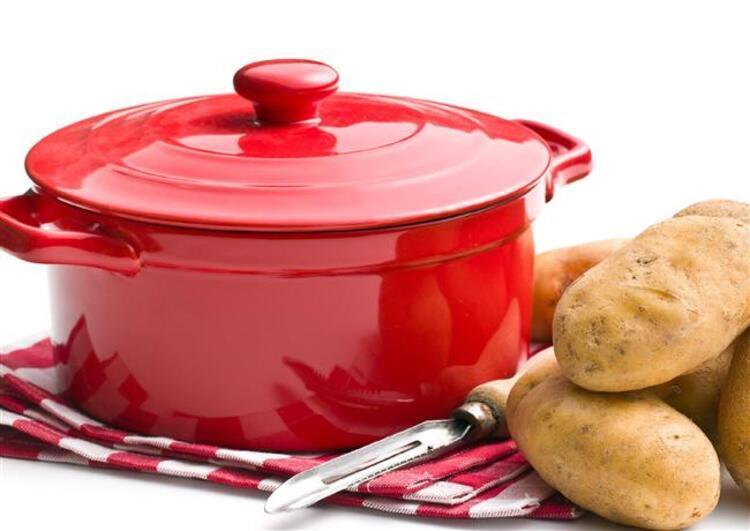 Çorbanın tuz miktarını azaltmak için patates