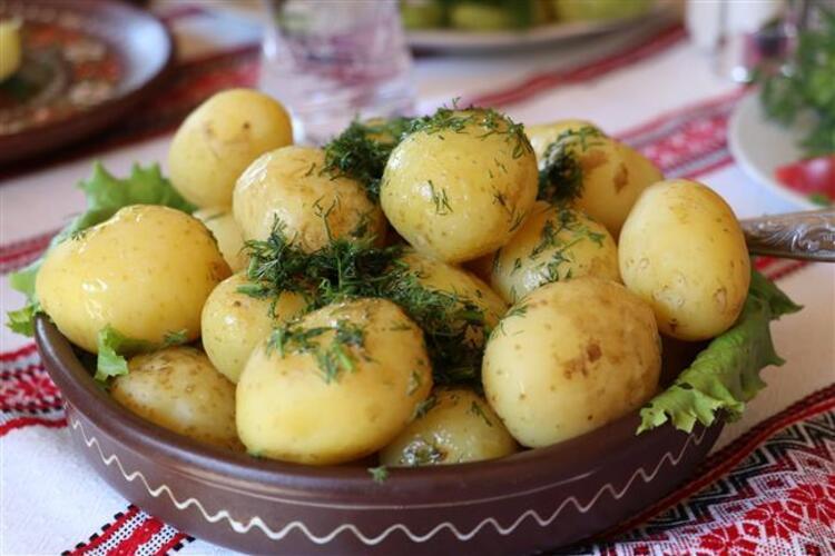 7. Haşlanmış Patates: