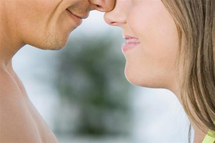 1-Sevgi dolambaçlı ya da aşırı değildir