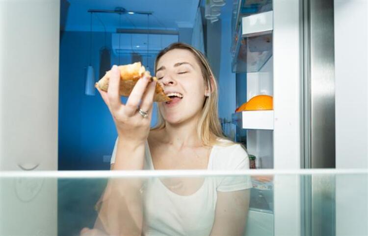 Geç saatlerde yemek yemeyin: