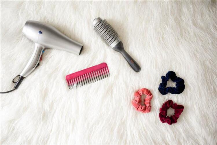 2- Fazla saç bakım ürünü kullanmak