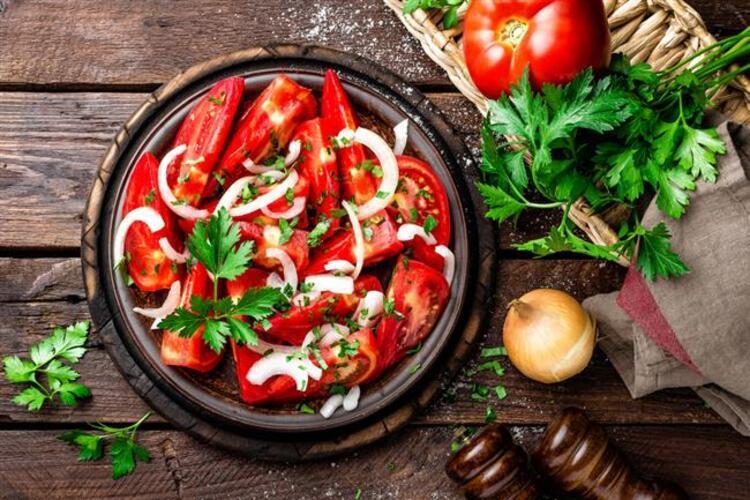 Limonlu, domatesli besin değeri yüksek gıdalar