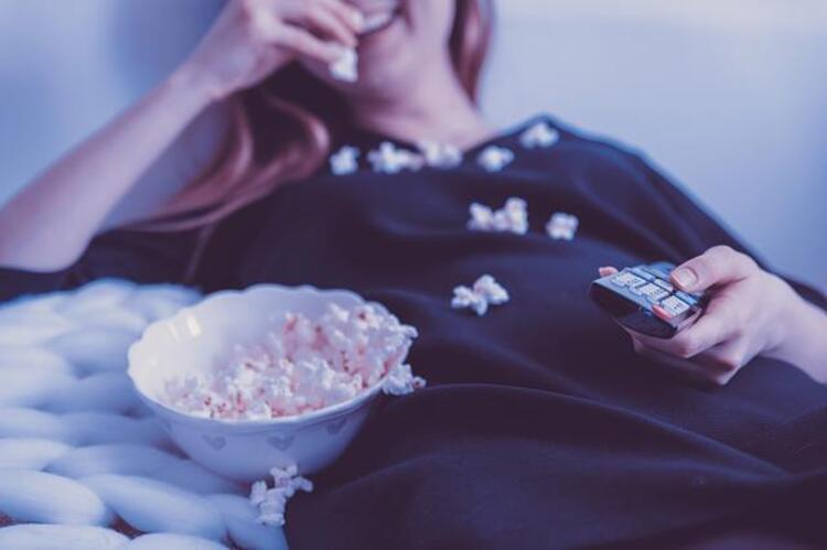 6- Yemek yerken dizi/film izlemeyin.