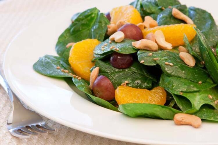 Salatanıza kırmızı üzüm ekleyin