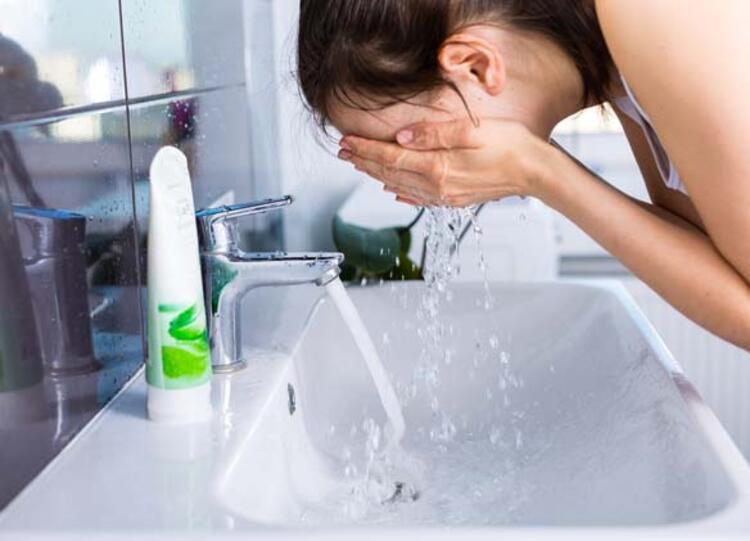 Yüzü fırçalamamak