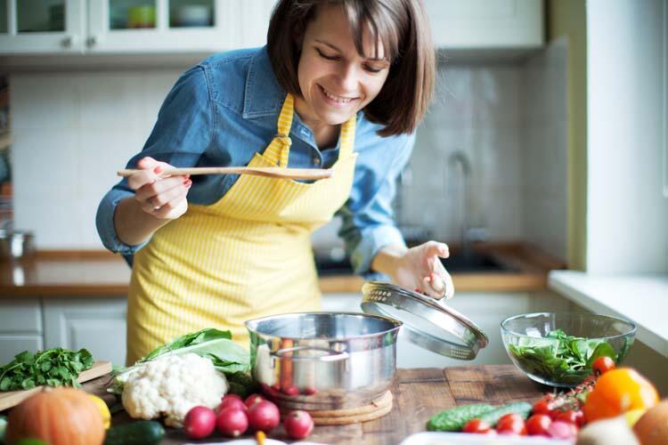 Yemekleri pişirirken tadını kontrol etmiyorsunuz.