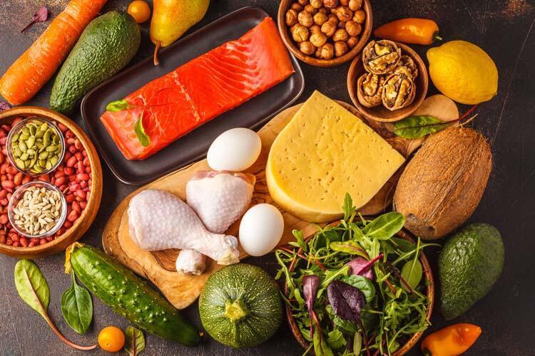 Pişmemiş gıdaları hazır yiyeceklerle temas ettiriyorsunuz.